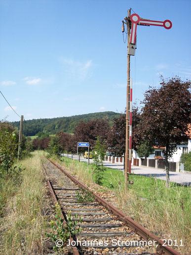 Bahnstrecke Weissenbach-Neuhaus - Hainfeld (Leobersdorfer Bahn); Einfahrsignal von Hainfeld.