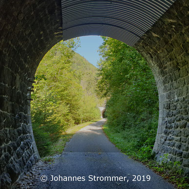 Blick aus dem Moosbachtunnel auf den Prinztaltunnel