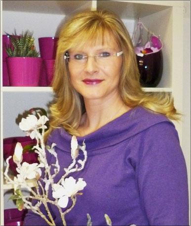 Die Inhaberin von Kate's Flowers Katrin Haas stellt sich und ihren Laden vor.