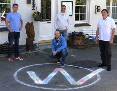 Gründer der EUWEA (v.l.n.r.): Frank H. Sauer, Sebastian Schmidt (kniet), Rainer Dunkel, Dieter Franz (Foto: privat)