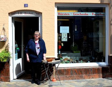 """Bild: Der """"Kleine Laden"""", regionale und qualitativ hochwertige Produkte, Naturbürsten, Flensburg"""