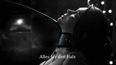 Bondage & BDSM - Frau mit Halsband - Peitsche - Rote Lippen - BH