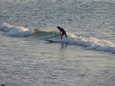 小波でもパド練とテイクオフの練習には十分です。