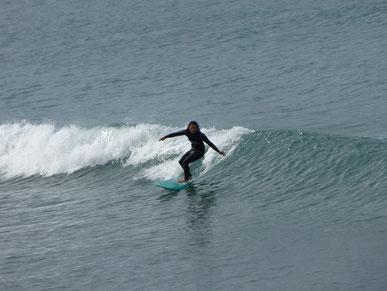 難しい波の中でもいい波乗ってました。