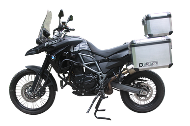 BMW F800 GS - Equipada com malas laterais retas e top case Idea-Pro