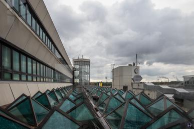 Gebäude des Flughafen Tegel. Dach über der Haupthalle. Berlin - Reinickendorf.