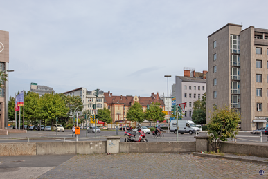 Mehringdamm Ecke Obentrautstraße.