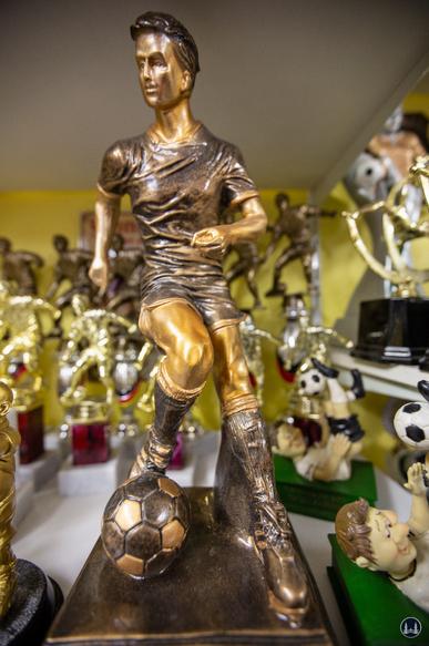Ehrenpreis für einen Fußballer.