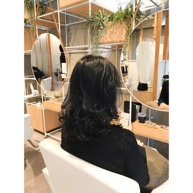 横浜 石川町 美容室 Grantus セミロング レイヤースタイル ハーブカラー 秋冬 艶髪 40代おすすめ