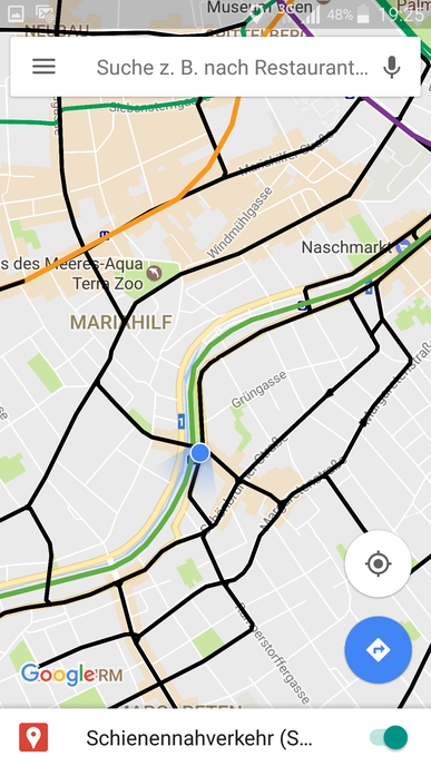 Ansicht der Karte von (ehemaligen) Eisenbahnstrecken in Österreich auf einem Smartphone (Screenshot)