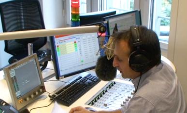 Roland Wegner, professioneller Off Sprecher VPS für TV, Radio, Werbung, Imagefilm. Voice over talent Swiss German for commercials , tv, movie, radio