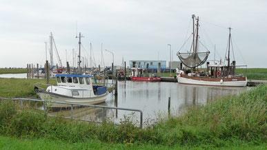 Spieka-Neufeld -Noch ein echter Kutterhafen. Romantisch und sehr ruhig gelegen.
