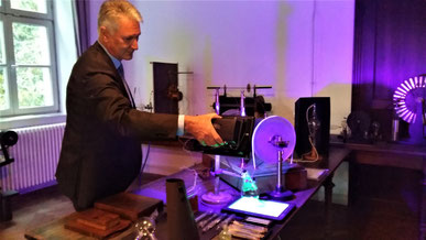 Röntgen Experiment in der Röntgen-Gedächtnisstätte Würzburg