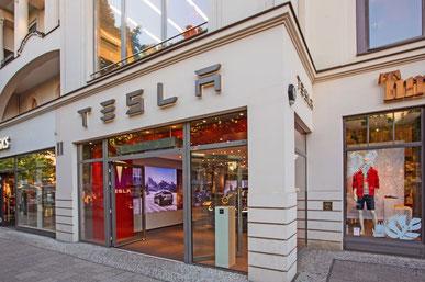 Tesla-Store, Berlin - Kurfürstendamm.