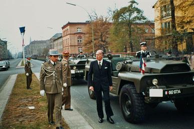 Spaziergang mit einem französischen Staatsoberhaupt. Valery Giscard d'Estaing.