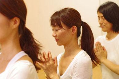 yoga+rusiedutton mallika