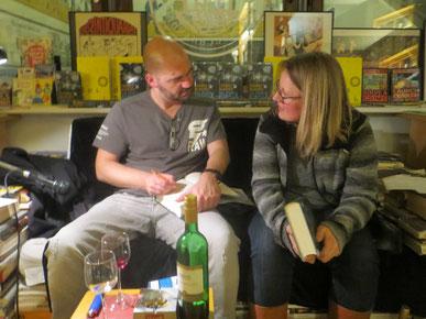 Buchmesse 2016: Autor und Leserin, Thomas Glavinic in der Connewitzer Verlagsbuchhandlung