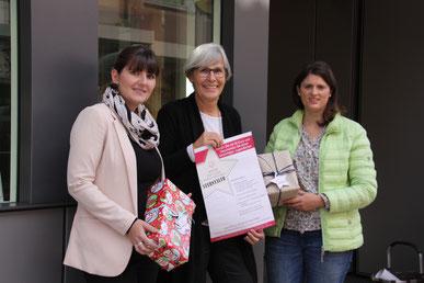 Von links: Sophie Stepper (Vorstand), Jutta Rother (Stiftungsrätin) und Alexandra Hiereth (Projektleiterin), Foto: Vera Finn