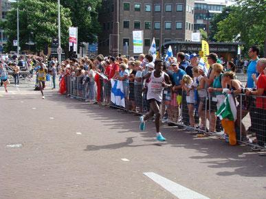 Lema beim Halbmarathon in Amsterdam (Foto: Harald Fritz)