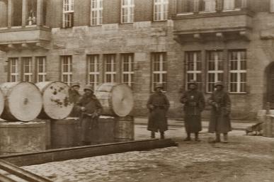 Rätselhafte Fotos. Märzkämpfe 1919.
