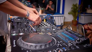 Was kostet ein DJ für eine Hochzeit? Preis DJ in Göttingen