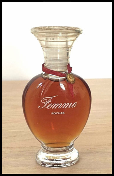 FEMME - PARFUM : AUTRE FLACON DIFFERENT, BOUCHON EN PLASTIQUE TRANSPARENT,  SERIGRAPHIE BLANCHE