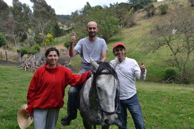 Ángela, Cesar y Julián