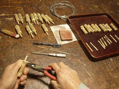 シジュウガラ笛製作中 鳥笛シリーズ