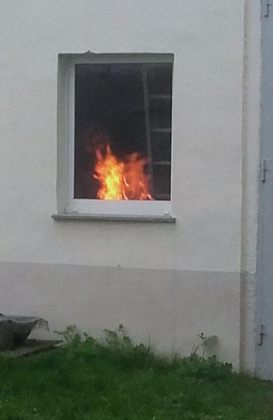 ... machen unsere Nachbarn etwa Osterfeuer drinnen? :-)