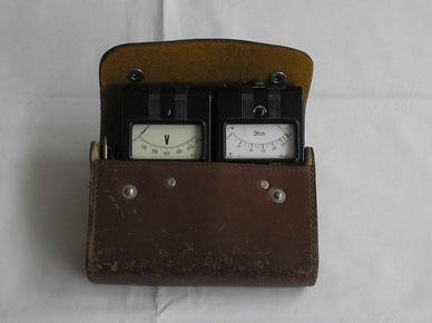 Gossen  Ein Set. Volt und Widerstands - Messgerät. Gefertigt 1960