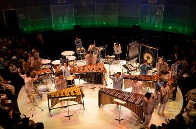 第3回Rhythm Moving &Percussion 公演より        (青山・こどもの城円形劇場)