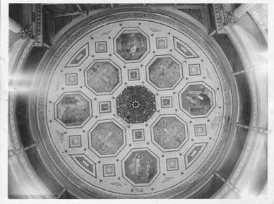 plafond peint du théatre de Béziers
