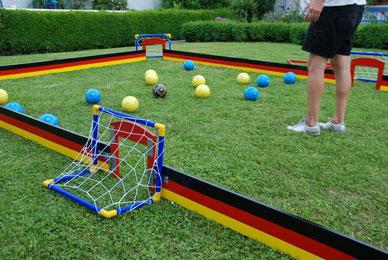 Fussballbilliard mieten Soccer Billiard Verleih Eventmodule Hessen Torwand kaufen Frankfurt Bälle Poolball Billiard