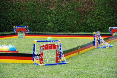 Soccer Billiard mieten Frankfurt Eventmodule Fussballbilliard Anlage Fussballgolf spielen Eventmodule kaufen bauen