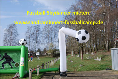 Skydancer mieten Eventmodule Frankfurt Publikumsmagnet Kundenevent Idee Fussballgolf Torwand mieten Hüpfburg EM 2016 Frankreich