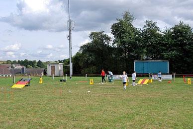 Fußballgolf spielen Minigolf und Fussball Golf Eventmodule mieten Teamevent Bürogolf Golf Cup Verleih kaufen Karben Fussballgolf Anlage