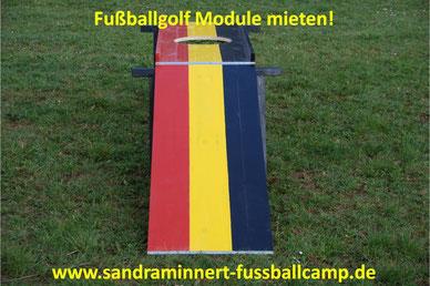 Fussballgolf spielen Sandra Minnert Fussballcamp Eventmodule Verleih Torwand mieten Tischkicker Fussball Module EM 2016 Idee Promotion Public Viewing