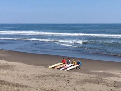 宮崎で行われた自治体サーフィン選手権大会のファイナリストの写真ITKちゃんから頂きました。