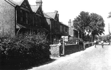 Moor Street 1938 looking towards The Crown Inn; image used courtesy of Bartley Green District History Group.