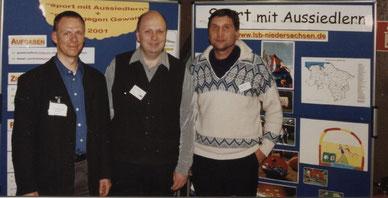 Der Autor Martin Stützer (Mitte) mit Frank-Michael Mücke vom LandesSportBund Niedersachsen (links) und Manfred Wille vom CVJM Wolfsburg bei einer Integrationsveranstaltung in Braunschweig