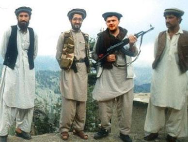 Statsminister Lars Løkke Rasmussen på besøg hos mudjahidinerne i Afghanistan i slutningen af 1980`erne