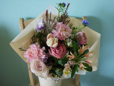 お誕生日 花束 春のお花 お届け 華やか
