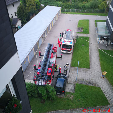 Feuerwehr; Blaulicht; FF Bad Ischl; Brand; Mehrparteienhaus;
