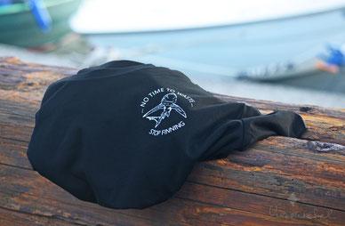 honourebel T-Shirt für den Haischutz mit Blauhai und QR Code.