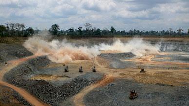 Goldabbau in Ghana im Tagebauverfahren