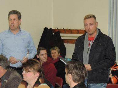 Boris Kretschmann (li. im Bild) stellte dem Bürgermeister der Stadt Oebisfelde-Weferlingen markante Fragen