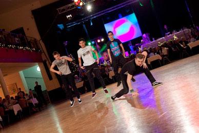 Size Dance Crew
