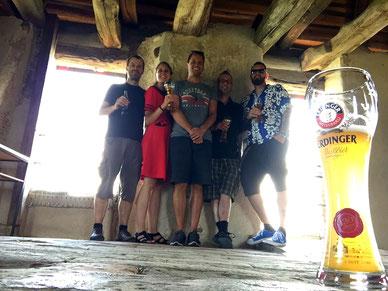 Die Band im Turm der Burg Hohenklingen