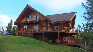 Haupthaus der Big Creek Lodge