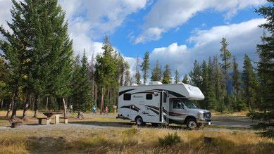 unser Stellplatz auf dem Tunnel Mountain Campground